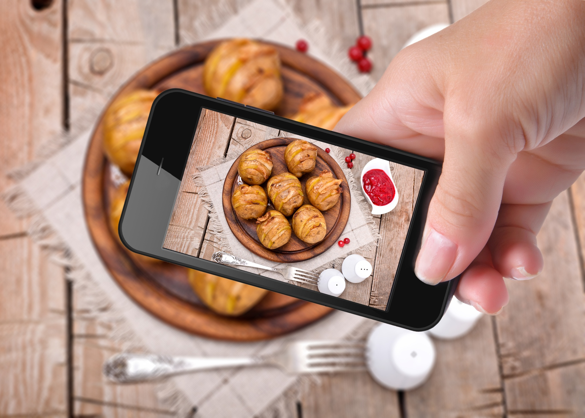 Reach More Diners With 9 Easy Instagram Restaurant Promotion Ideas
